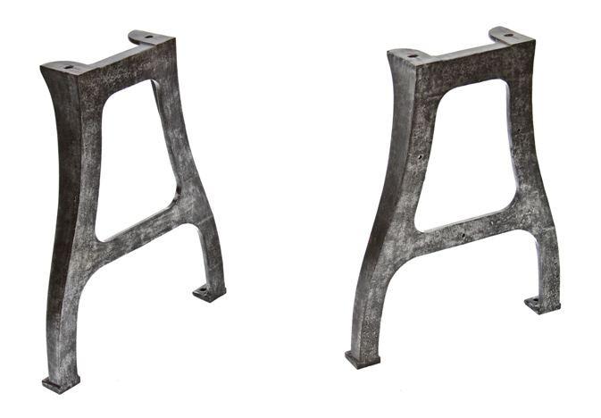 Turtles Pajamas: Cast Iron Dining Table Legs: turtlespajamas.blogspot.com/2014/02/cast-iron-dining-table-legs.html